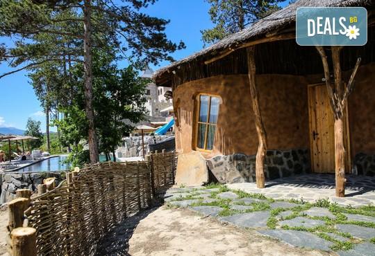 Еко къщи към Валентина Касъл Хотел - снимка - 9