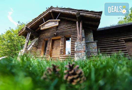 Еко къщи към Валентина Касъл Хотел - снимка - 1
