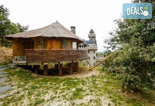 Еко къщи към Валентина Касъл Хотел - снимка - 6