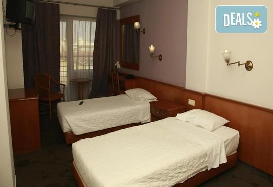Metropolitan Hotel 3* - снимка - 4