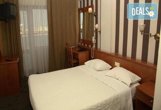 Metropolitan Hotel 3* - снимка - 3
