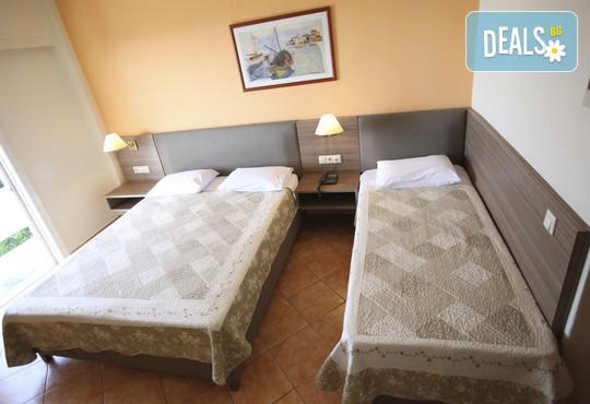 Oceanis Hotel 3* - снимка - 6