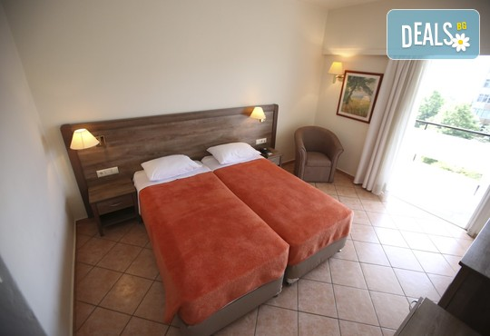 Oceanis Hotel 3* - снимка - 7