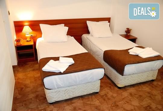 Хотел Ротманс 3* - снимка - 3