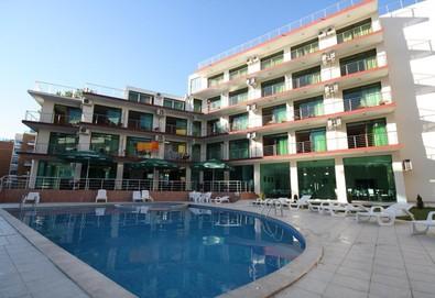 Почивайте през цялото лято в хотел Хелвеция 3*, Слънчев бряг! Нощувка със закуска и вечеря, ползване на басейн, безплатно за дете до 4г.! - Снимка