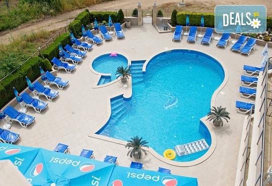 Семеен хотел Адена 3* - снимка - 23