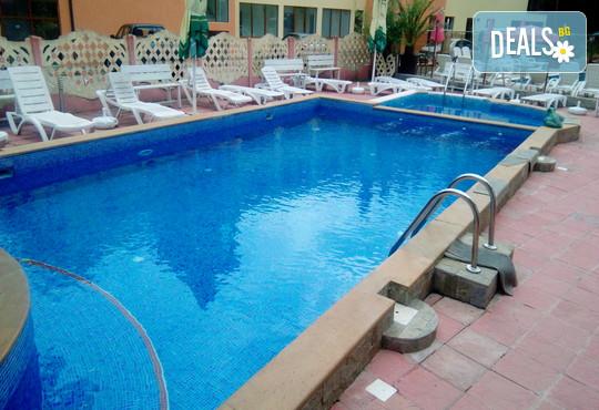 Хотел Даниела 3* - снимка - 2