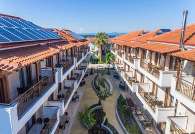 Нощувка на база Само стая в Apanemia Apartments by Flegra Hotels 2*, Пефкохори, Халкидики - Снимка