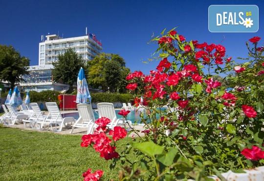 Хотелски комплекс КООП 2* - снимка - 2