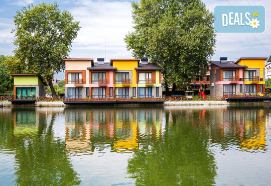 Комплекс Къщи край водата 3* - снимка - 2