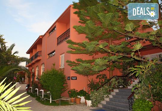 Athos Hotel - снимка - 3