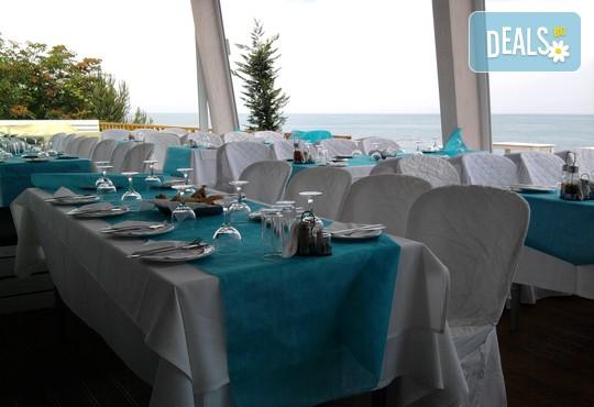 Yakinthos Hotel - снимка - 9