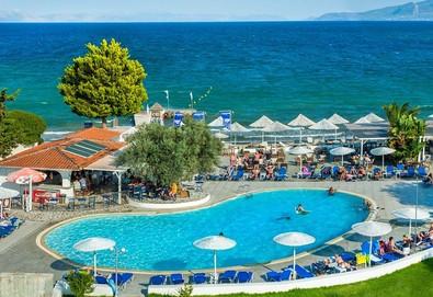 Нощувка на база Закуска и вечеря,All inclusive в Grand Bleu Sea Resort 3*, Еретрия, Евия - Снимка