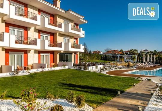 Lagaria Palace Hotel 2* - снимка - 1