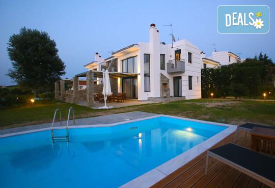 Sunny Sani Luxury Villas 5* - снимка - 2