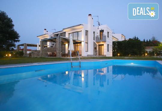 Sunny Sani Luxury Villas 5* - снимка - 1