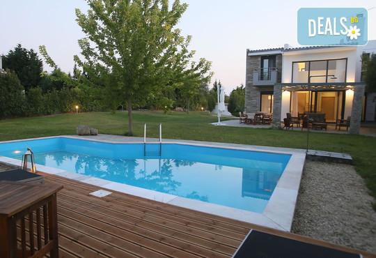 Sunny Sani Luxury Villas 5* - снимка - 7