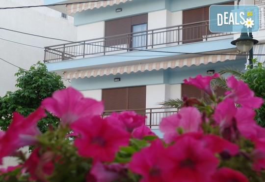 Antique the Hotel 2* - снимка - 1