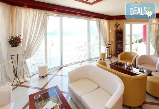 Sunny Hotel 2* - снимка - 7