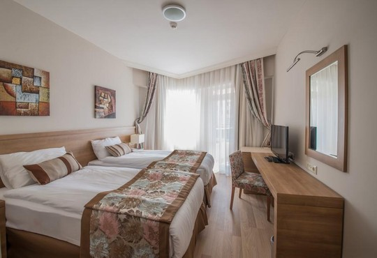 Lara Family Club Hotel 4* - снимка - 2