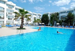 Самолетна почивка в Турция! 7 нощувки на човек на база All inclusive в Maya Club Golf Hotel 3*, Сиде, Турска ривиера с двупосочен чартърен полет от София - Снимка