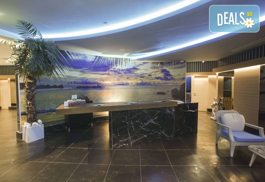 Azura Deluxe Resort & Spa Hotel 5* - снимка - 13