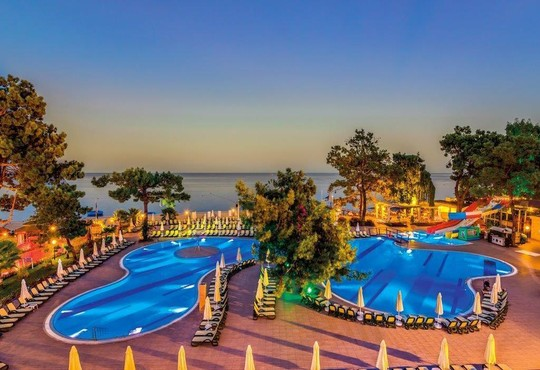 Crystal Aura Beach Resort & Spa 5* - снимка - 3