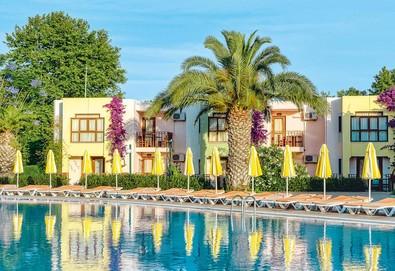 Самолетна почивка в Турция! 7 нощувки на човек на база All inclusive във Von Club Golden Beach 5*, Сиде, Турска ривиера с двупосочен чартърен полет от София - Снимка