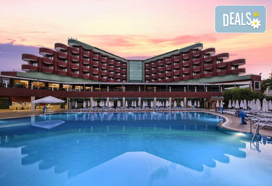 Delphin Deluxe Resort 5* - снимка - 1