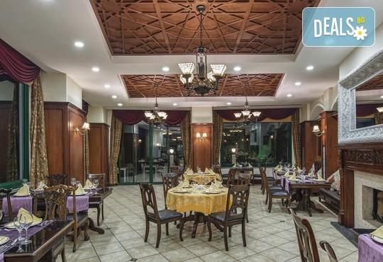 Delphin Palace Hotel 5* - снимка - 12
