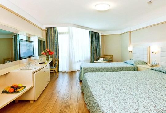 Von Resort Golden Coast 5* - снимка - 3