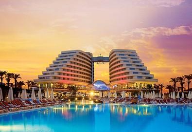 Самолетна почивка в Турция! 7 нощувки на човек на база Ultra all inclusive в Miracle Resort Hotel 5*, Анталия, Турска ривиера с двупосочен чартърен полет от Варна - Снимка