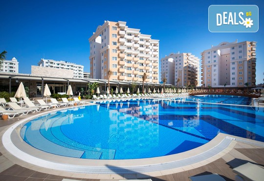Ramada Resort Lara 5* - снимка - 1