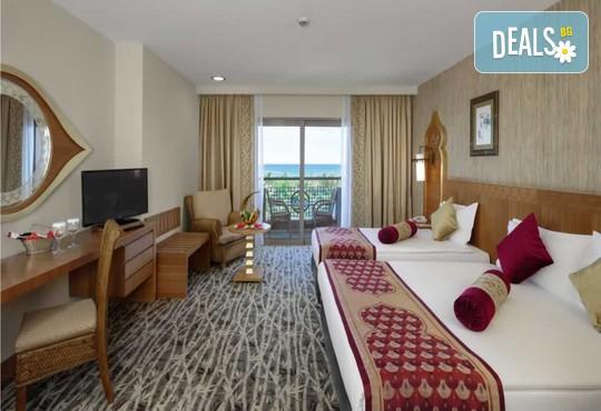 Royal Dragon Hotel 5* - снимка - 4