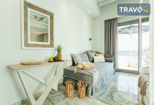 Blue Carpet Luxury Suites - снимка - 10