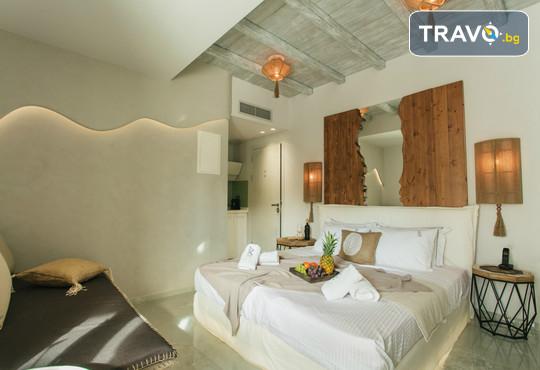 Blue Carpet Luxury Suites - снимка - 9