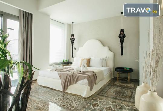 Blue Carpet Luxury Suites - снимка - 5