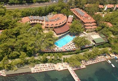 Самолетна почивка в Турция! 7 нощувки на човек на база All inclusive в Marmaris Park Hotel  4*, Мармарис, Егейска Турция с двупосочен чартърен полет от София - Снимка