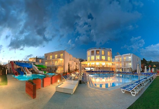 Bodrum Beach Resort 4* - снимка - 1