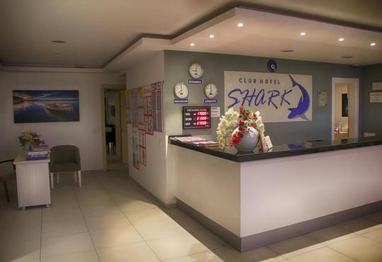Club Shark Hotel  4* - снимка - 2