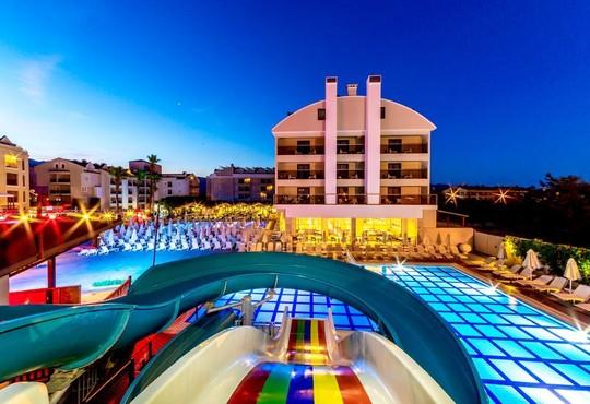Julian Club Hotel 4* - снимка - 2