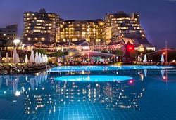 Самолетна почивка в Турция! 7 нощувки на човек на база Ultra all inclusive в Limak Lara De Luxe Hotel&resort 5*, Лара, Турска ривиера с двупосочен чартърен полет от София - Снимка