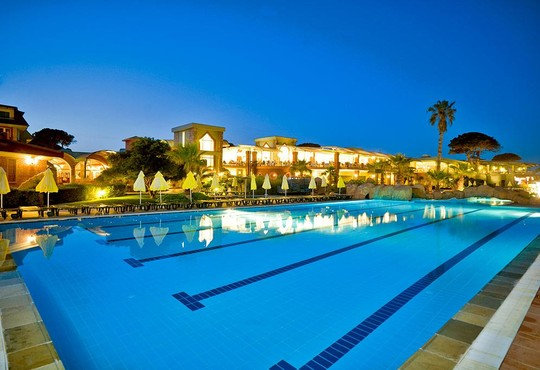 Maritim Pine Beach Resort 5* - снимка - 27
