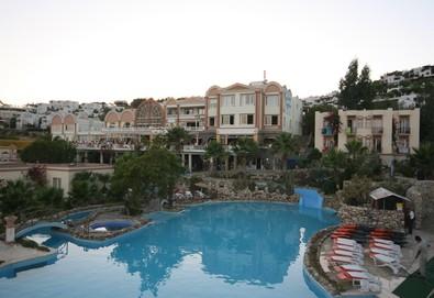 Самолетна почивка в Турция! 7 нощувки на човек на база Ultra all inclusive в Palm Garden Hotel 4*, Бодрум, Егейска Турция с двупосочен чартърен полет от София - Снимка