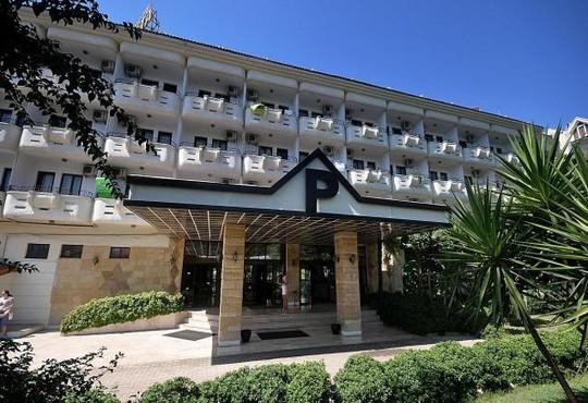 Pineta Club Hotel 3* - снимка - 1