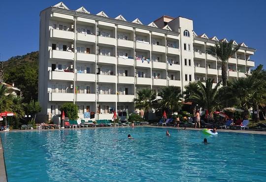 Pineta Club Hotel 3* - снимка - 2