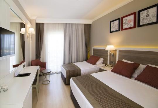 Port River Hotel & Spa 5* - снимка - 4