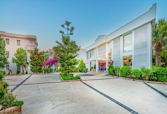 Bendis Beach Hotel 4* - снимка - 2