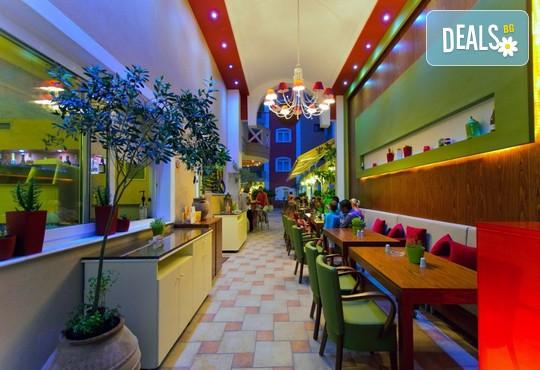 Evilion and Stilvi Hotels 4* - снимка - 27