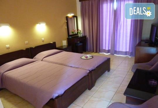 Oasis Hotel 3* - снимка - 4